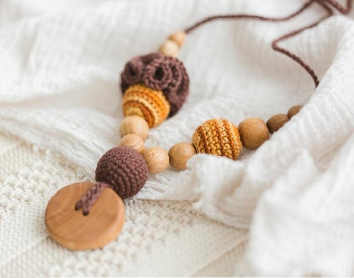 KANGAROO CARE Collier d'Allaitement et de Portage - Flower Brown and Gold