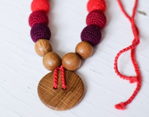 KANGAROO CARE Collier d'Allaitement et de Portage - Red and Wine