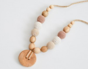 KANGAROOCARE Collier d'Allaitement et de Portage - Button Cream and Beige